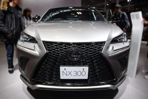 NX300の正面画像