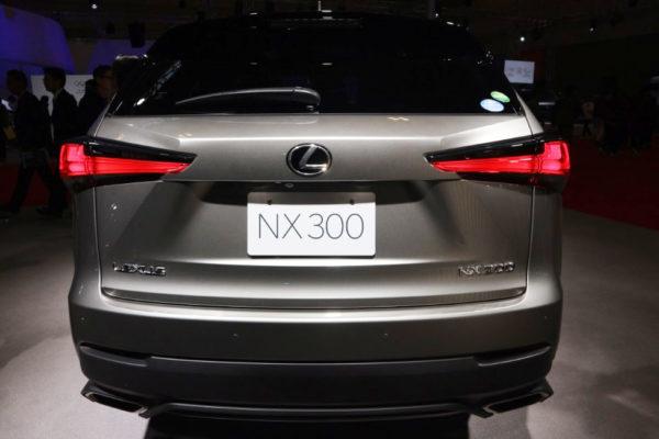NX300のリア画像