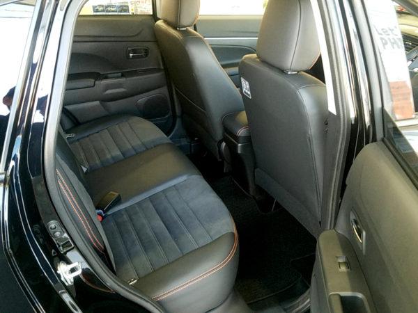 RVRの後部座席画像