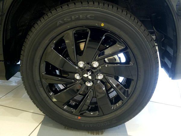 RVRのタイヤ画像