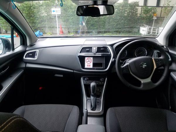 SX4Sクロスの運転席まわり