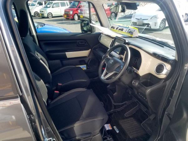 XBEEの運転席画像