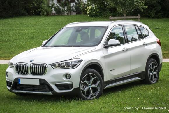 BMW「X1」白の全体画像